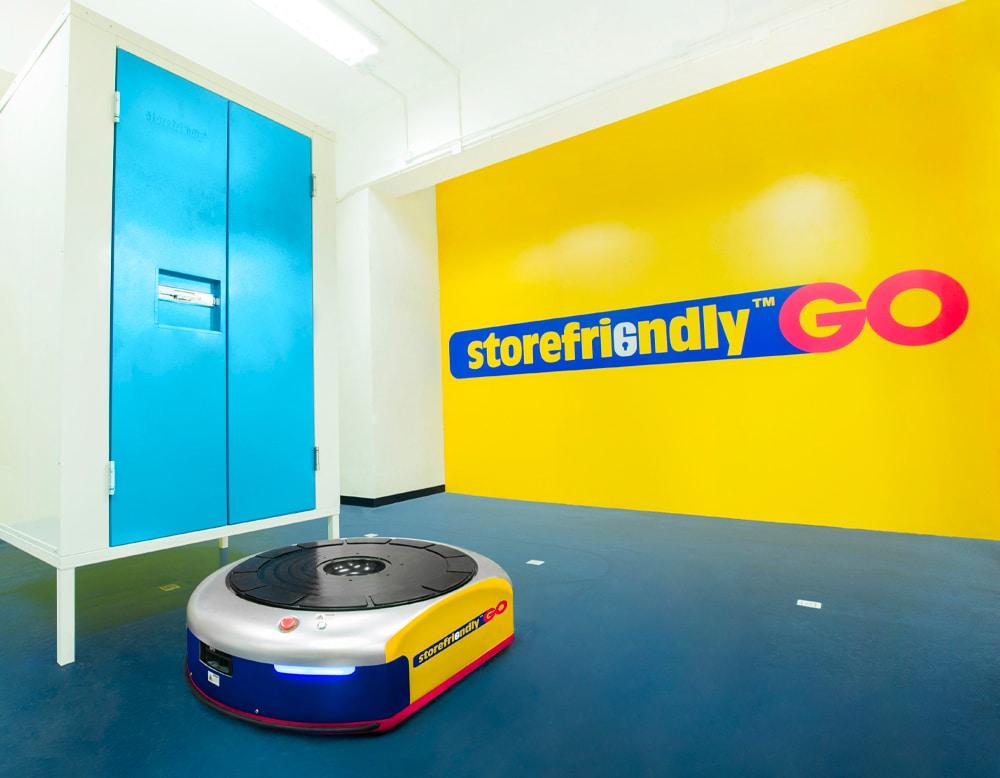 Storefreidnly Singapore robot